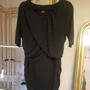 😻Liz Lange Maternity black dress
